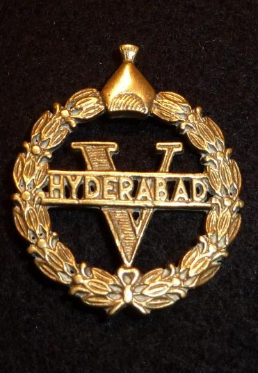 INDIAN 5th HYDERABAD INFANTRY REGIMENT HEADDRESS BADGE