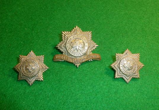 4th ROYAL IRISH DRAGOON GUARDS CAP BADGE & COLLAR SET