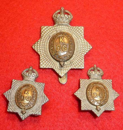 1st KINGS DRAGOON GUARDS CAP BADGE & COLLAR BADGE SET