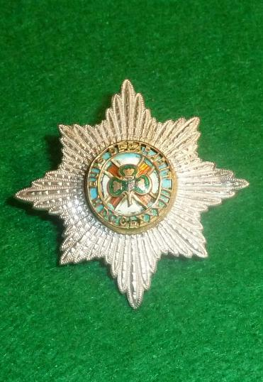 OFFICERS IRISH GUARDS CAP STAR / CAP BADGE